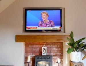 beautiful tv wall mounted